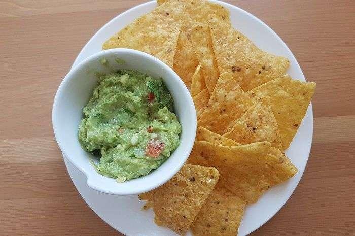 guacamole-e-tortilla-chips