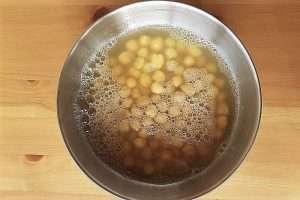 grão-de-bico-cozido-com-água