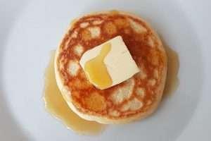 panqueca americana com manteiga
