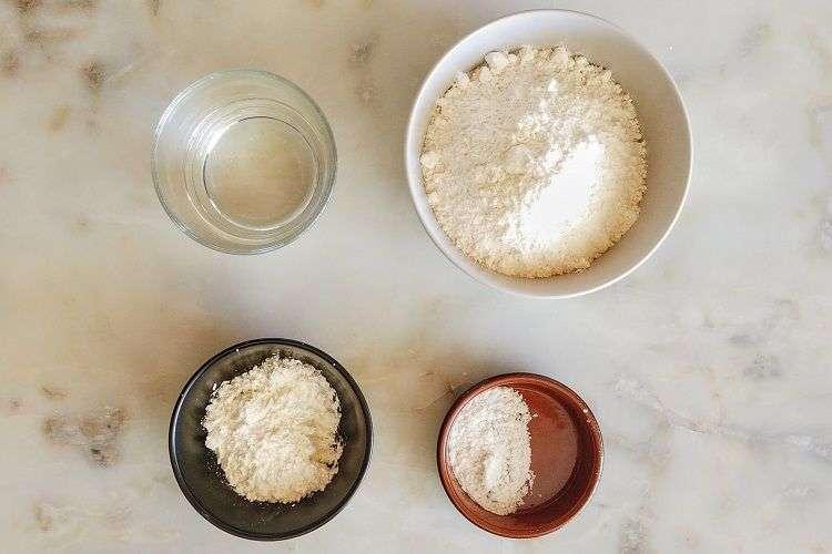 separe os ingredientes para a massa de pastel