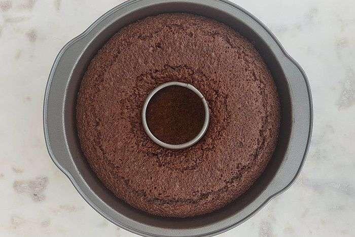bolo de chocolate sem gluten assado